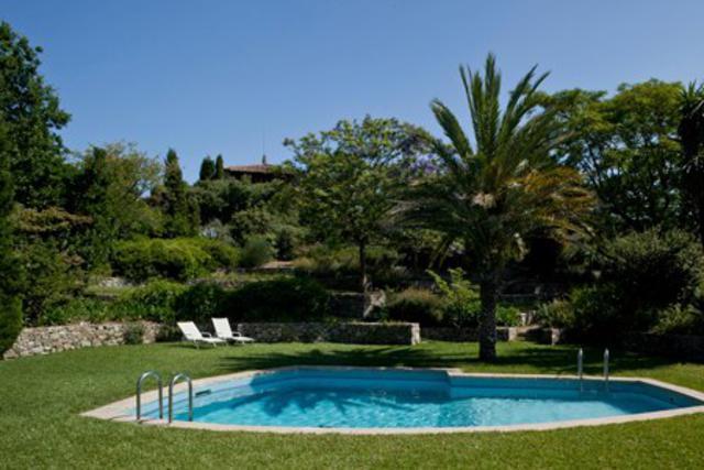 Casa en alquiler vacacional con piscina en barcelona y for Piscina tiana