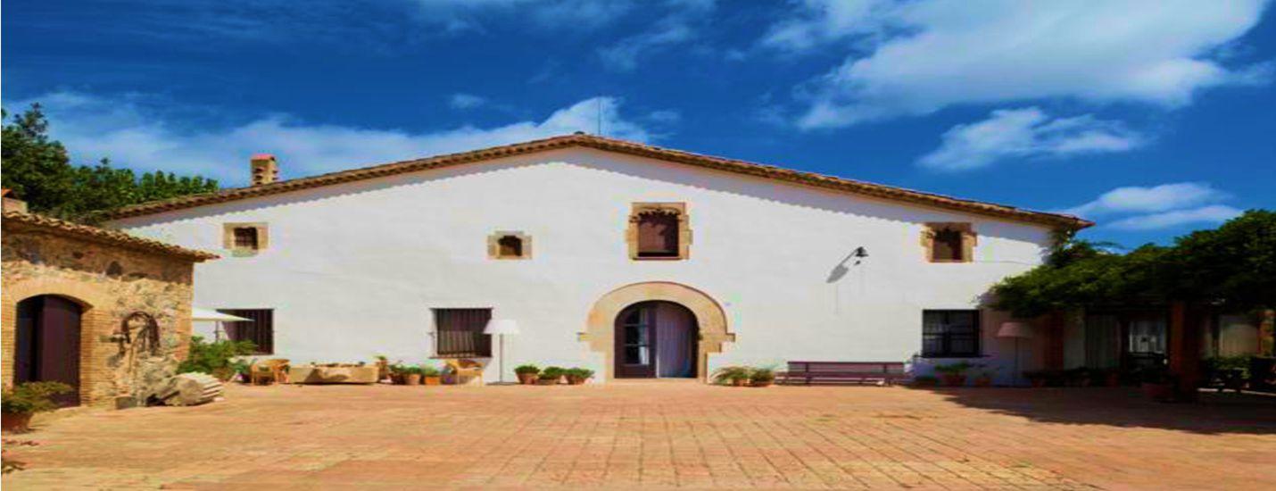 Casa en alquiler vacacional con piscina en barcelona y for Casas con piscina barcelona alquiler